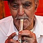 El Pastor José Guedes Rodríguez 'Pepito' tocando la flauta del pastor - Casa Pastores - Santa Lucía de Tirajana - Gran Canaria - Federación de Salto del Pastor Canario - Islas Canarias (2011).
