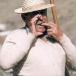 El Silbo y el Astia, herramientas ancestrales de los pastores gomeros - La Gomera - Islas Canarias (Finales del Siglo XX).